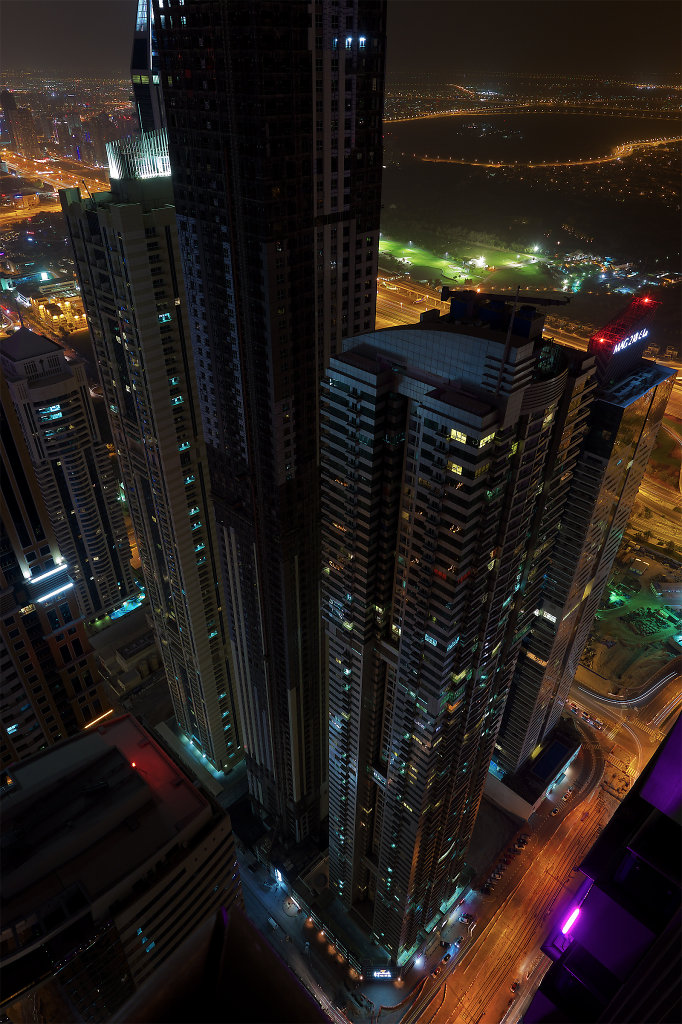 Marina Pinnacle and Mag 218 Tower at night from above