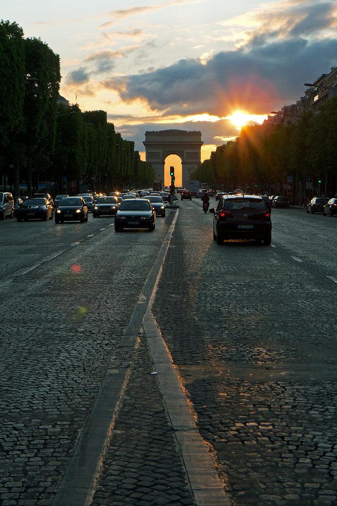 Sundown at Champs-Élysées