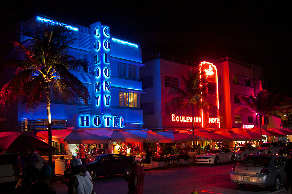 The Colony Hotel on Ocean Drive at night