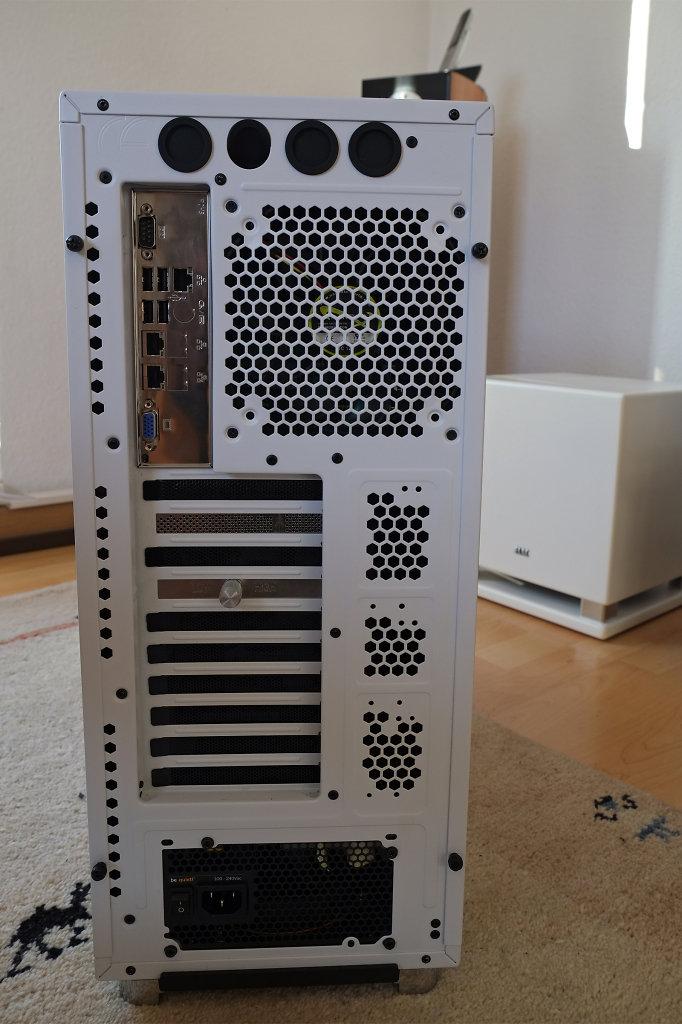 Backside of the storage server